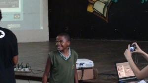 O estudante Anderson mostrou seu talento para poesia e rap