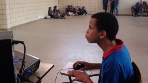 desafio lançado aos estudantes foi vencer o jogo Atravessando o Mar