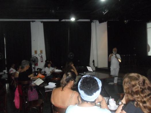 Márcio Meirelles conversa com professores no 1º Encontro #EscolasNoVila. Foto: Raulino Júnior