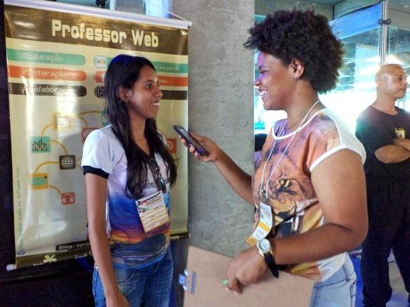 A estudante Salvimara de Oliveira fala sobre a importância do AEW. Foto: Bira Mendes