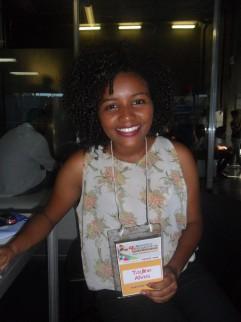 A estudante-repórter Tayline Alves. Foto: Raulino Júnior