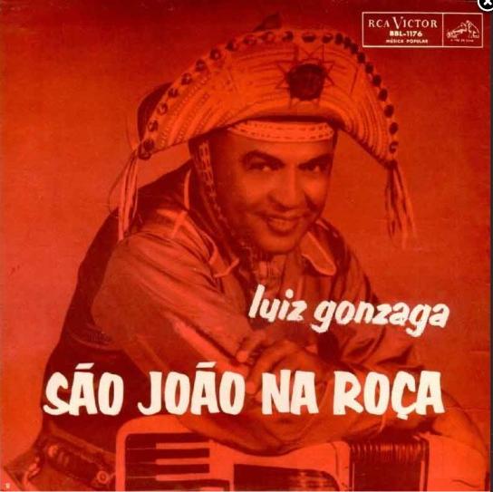 """Fig.1: capa do disco de Gonzagão em que """"São João Antigo"""" é uma das faixas. Foto: reprodução do site Memorial Luiz Gonzaga."""