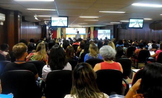 Fig. 2: Durante o Inovatec, Yuri Wanderley, coordenador da Rede Anísio Teixeira, apresentou os projetos do Programa de Difusão de Mídias na Educação