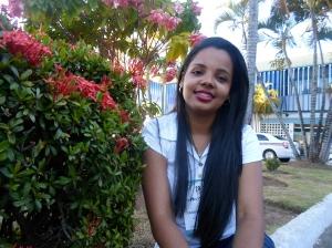 Estudante-repórter Carol Aguiar. Foto: Emili Oliveira