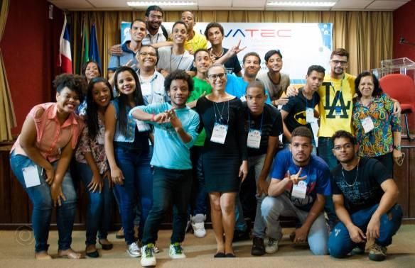 Fig. 1: Equipe que participou da Oficina para a Produção de Mídias na Educação e da Cobertura Colaborativa Estudantil. Foto: Peterson Azevedo