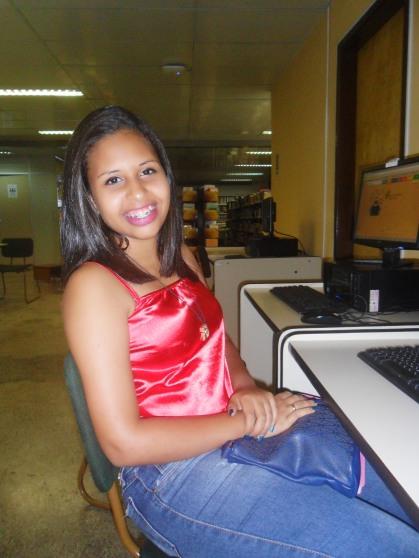 Fig. 2: A estudante Emili Oliveira atuou como fotógrafa durante a Cobertura Colaborativa 2016. Foto: Raulino Júnior