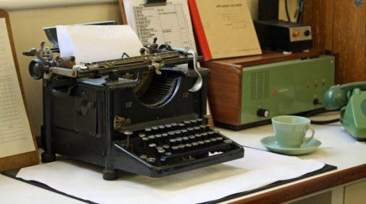 typewriter-163990_960_720-595x331
